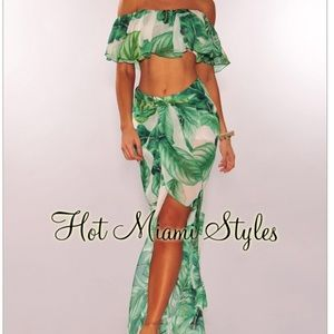 Other - Green Palm Print Ruffle Palazzo 2 pieces